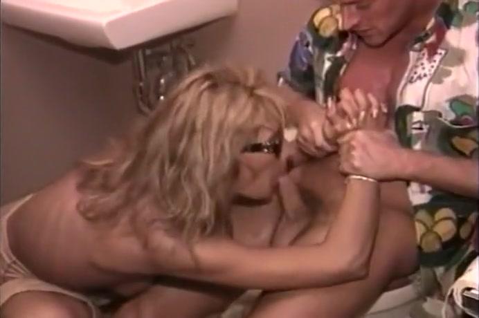 Blonde Slut Gives Blowjob In Bathroom Free Ebony Creampie Movies