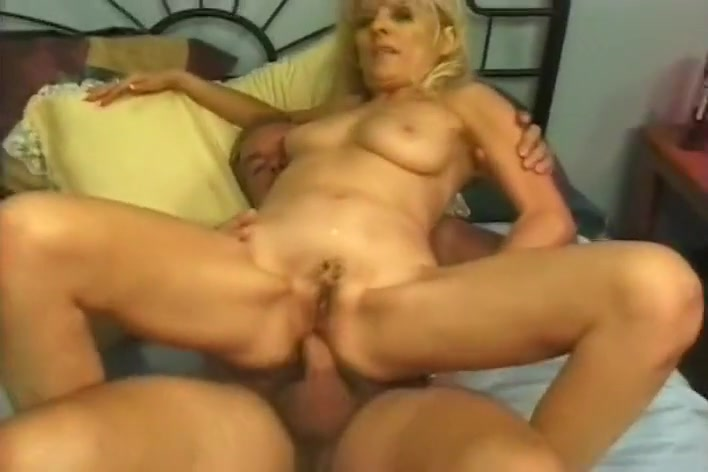 Mature Blondes Share Cock & Anal Fucking