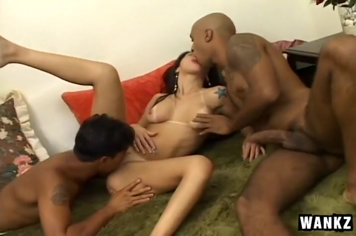 Gorgeous Latina Amateur in MMF Threesome Couch adult girl fucked
