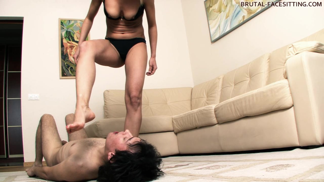 Brutal-FaceSitting Video: Olga Barz Ebony ass booty pics