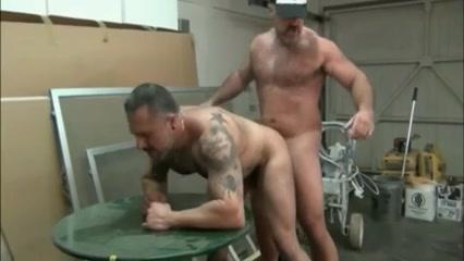 Bronson & Damian Shoplyfter Hot Beeg