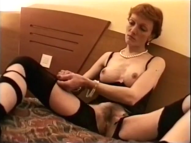Horny Milf in Lingerie Masturbating foto sexy espana com