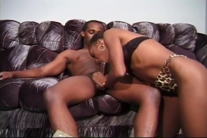 Nasty Black Slut Deep Balled On Couch Teens fucks married man