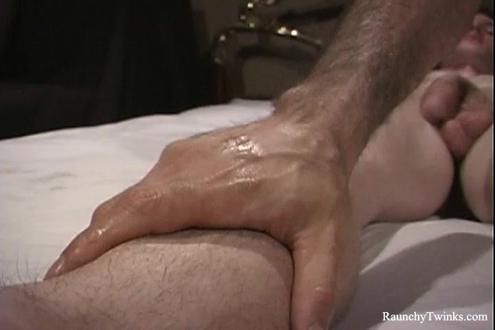 RaunchyTwinks Video: Hot Massage Turns Into Wild Fuck Filme mais um besteirol ao extremo dublado online dating