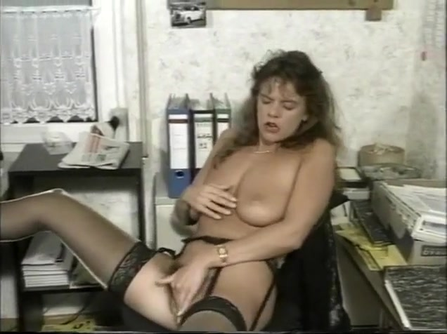 Tart In Stockings Needs To Cum At Work Free Shared Wife Porn
