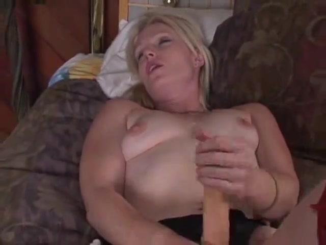 Blonde Femdom with 10-Pounder Thai massage odense skibhusvej