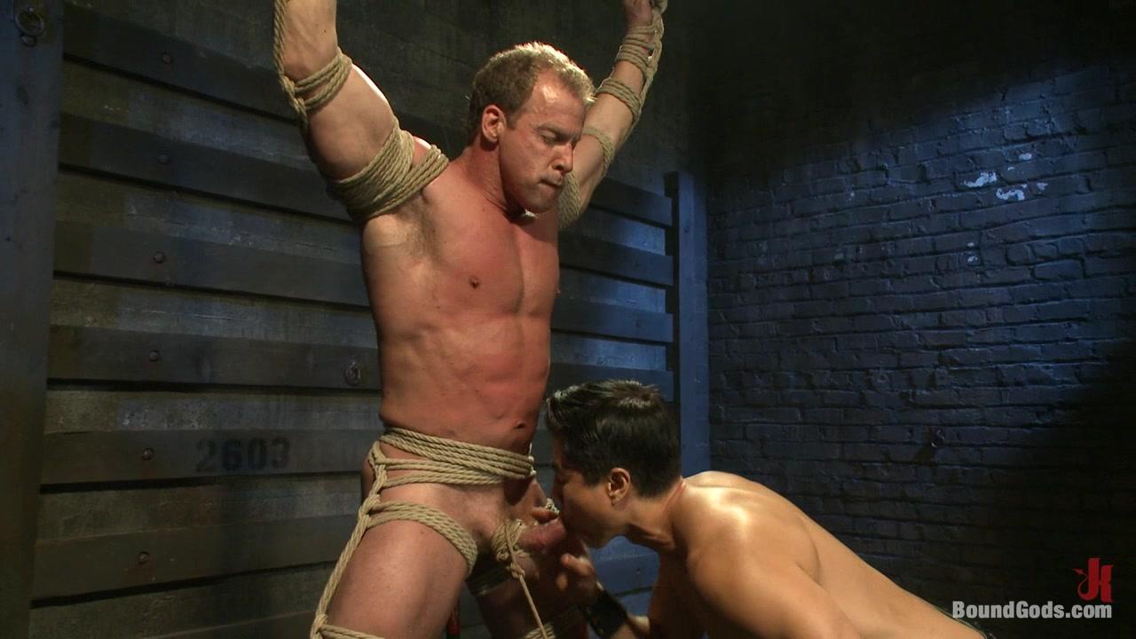 BoundGods : Indestructible Derek Pain Femdom malesub story