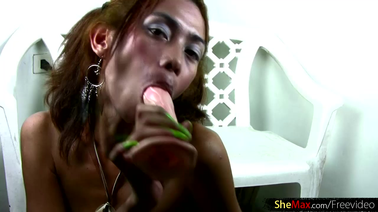 Wasted ladyboy with green nails is ass fingering and wanking Bisexual anal fucking