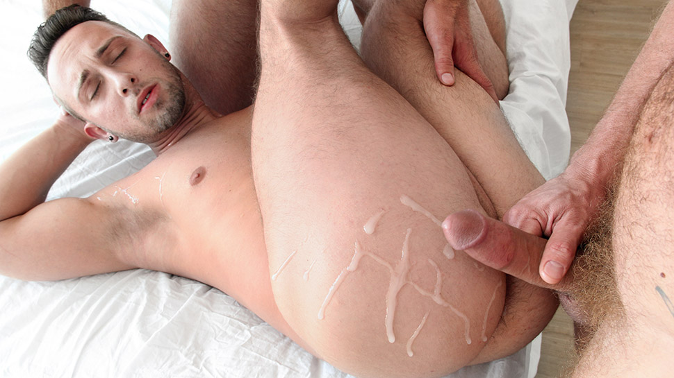 Jonah Marx & Billie Ramos & Derek Parker in Let Daddy Help (part 2) - GayCreeps girls severe buttocks bruising