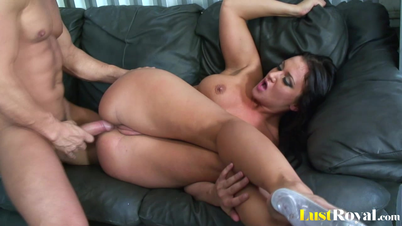 Only a facial can satisfy horny Luxxx May free sex mp4 downloads for psp