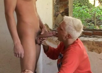 Contruction worker is given a blowjob Wife cock sharing