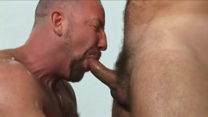 two hairy painters want to spray the wall with cum Teen licked in jacuzzi