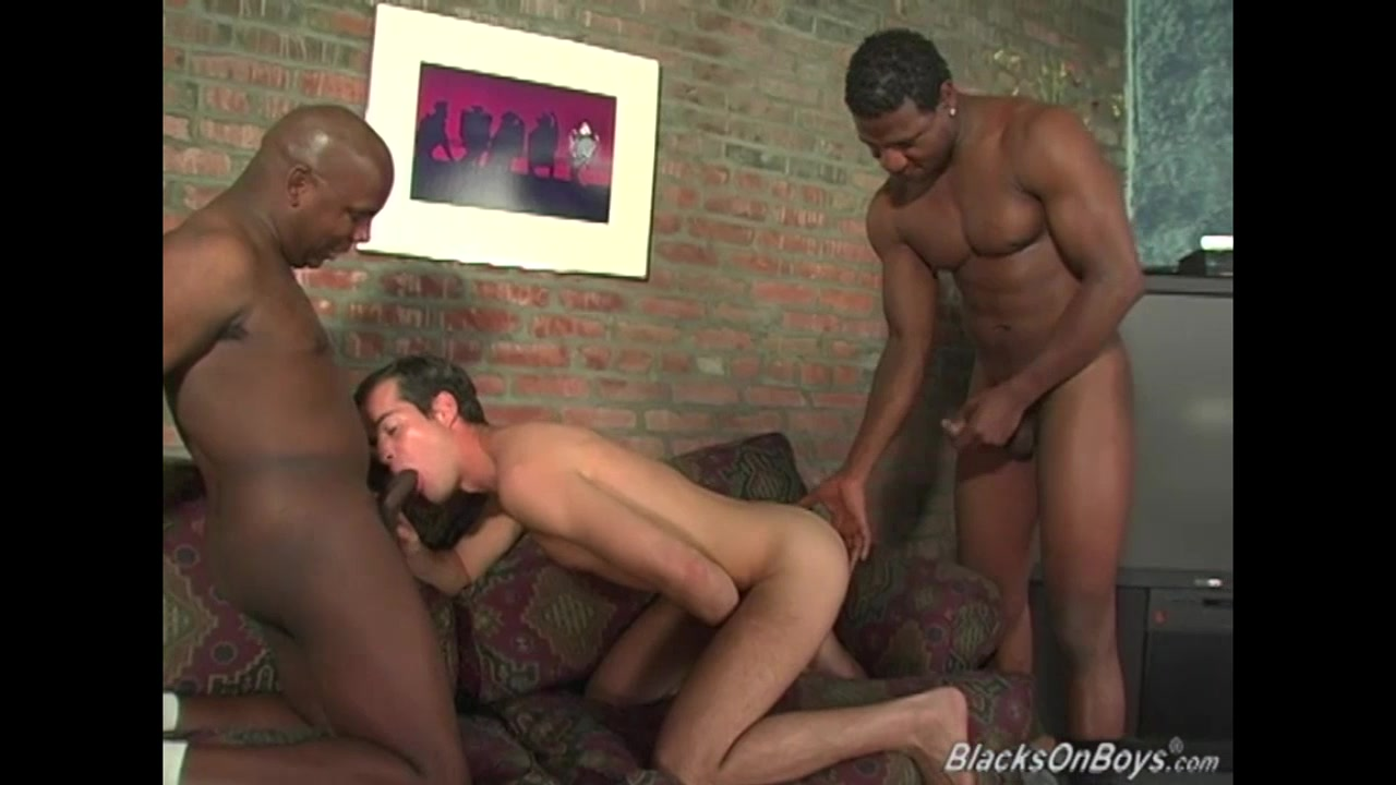 Hung black men sharing the ass of an amateur guy Wet Pink Pussy Videos