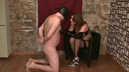 Faceslapping by Femdom-Goddess Milf Seduces Hot Girl