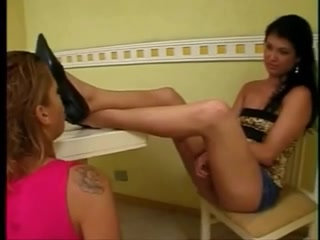 Shirley worships goddess feet