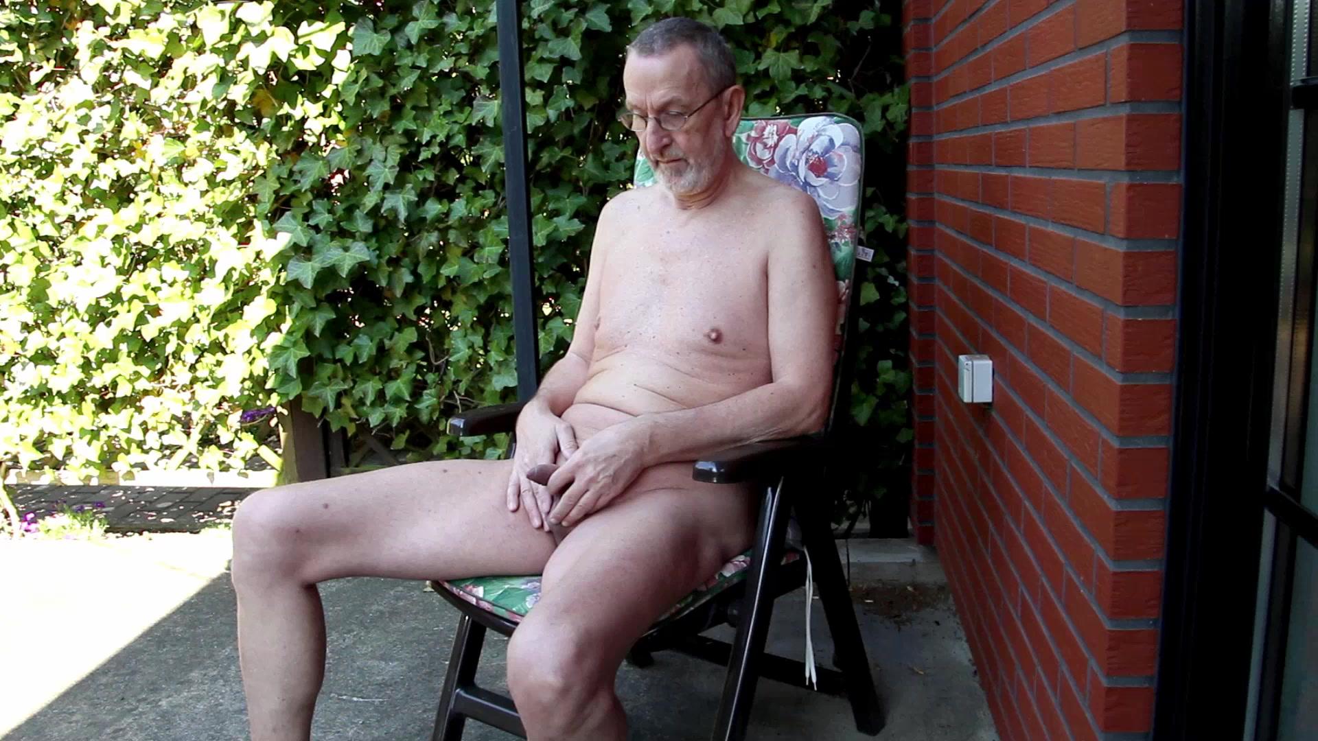 Nackedei wichst 012 Sex sleep video free