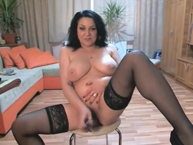 Web-214 Hot big tits brunette nude
