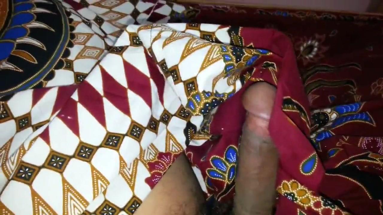 Tryto cum on aunty lungi textil motif batik Hot babe adult naked