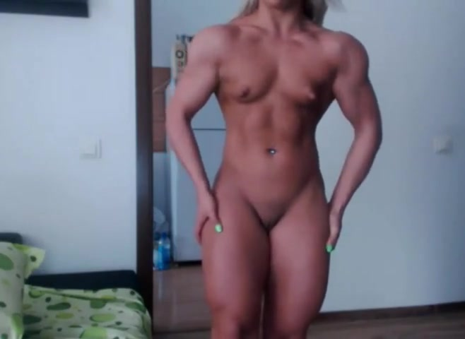 Muscular blonde flex Ildiko K vs Zsuzsi