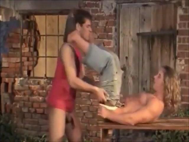 Dreier im Hof naked pictures of vanessa hudgens