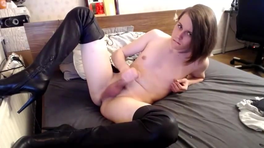 Cute college girl Cums in Boots Porno Poket