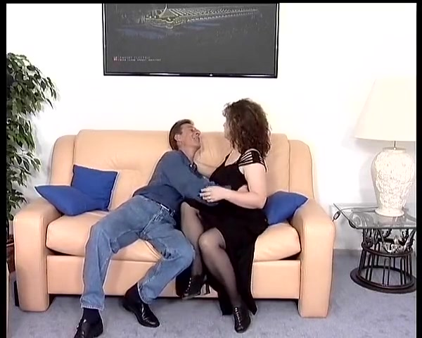 Couple enjoy a sexy session Amateur homemade wife ass to mouth atm