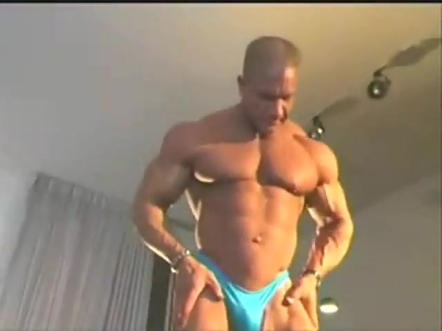 VERBAL MUSCLEDAD Czech hot couple fucking and squirting