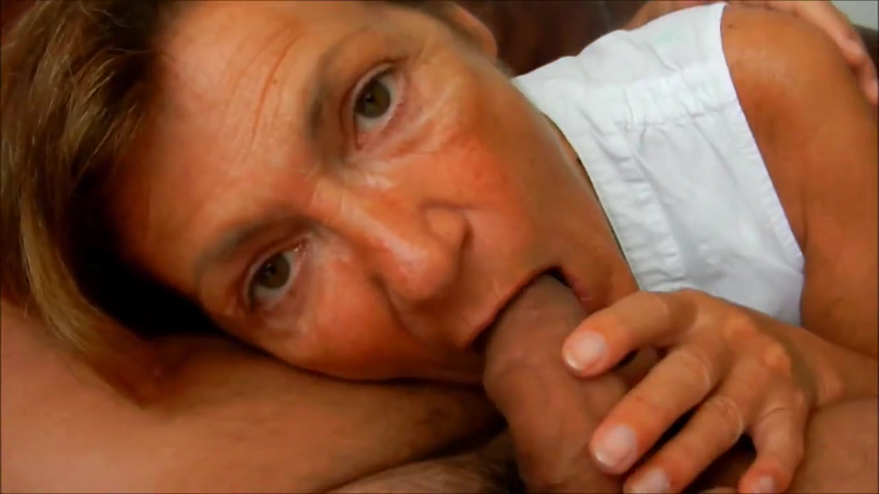 Granny Clarill suck conscientiously boyfriend sofa closeup