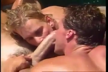 Hot threesome with a mature man muscle gay tube male
