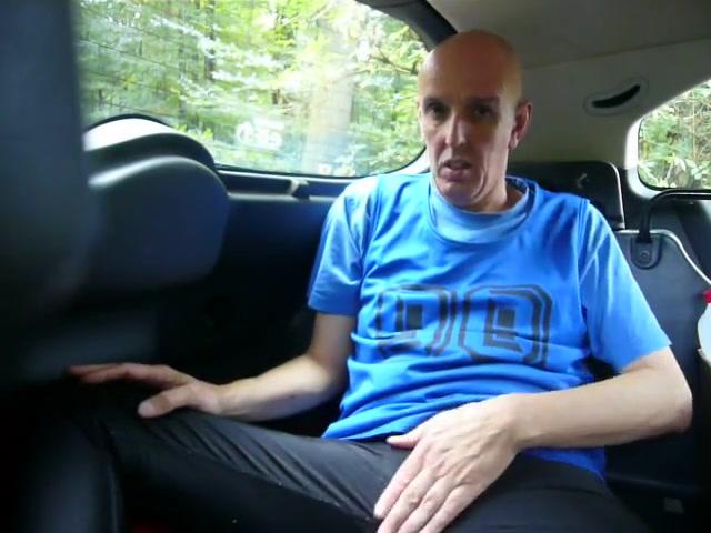 Geiles wichsen im auto hot sucking boobs sex