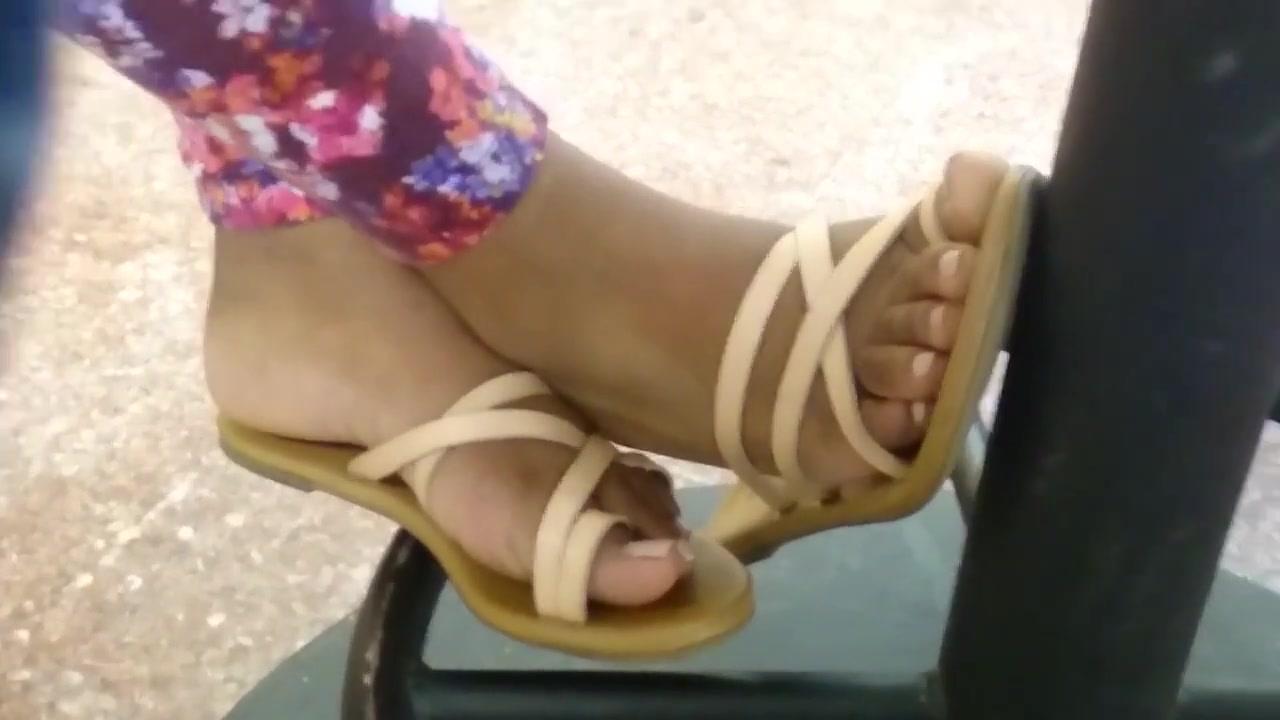 HS Friend Candid Beautiful Ebony Feet 3 Teen beach babes fucking