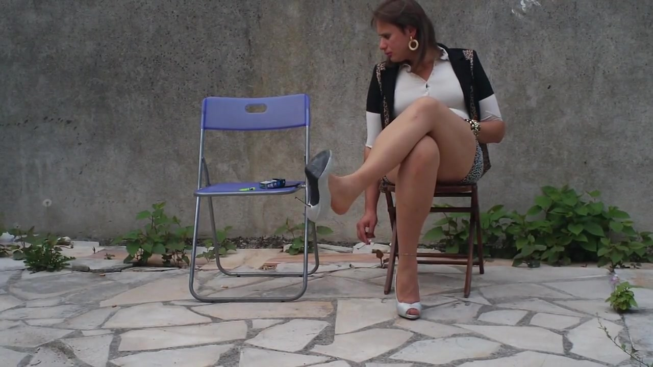 Nadejda smoke an cigarette on her chair ... basketball cameltoe pussy photos clips
