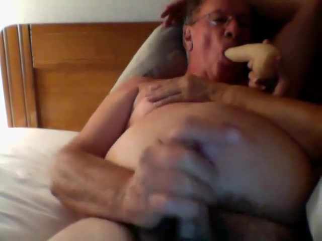 Jerk off in bed while sucking dildo How do i hook up my ipad to itunes