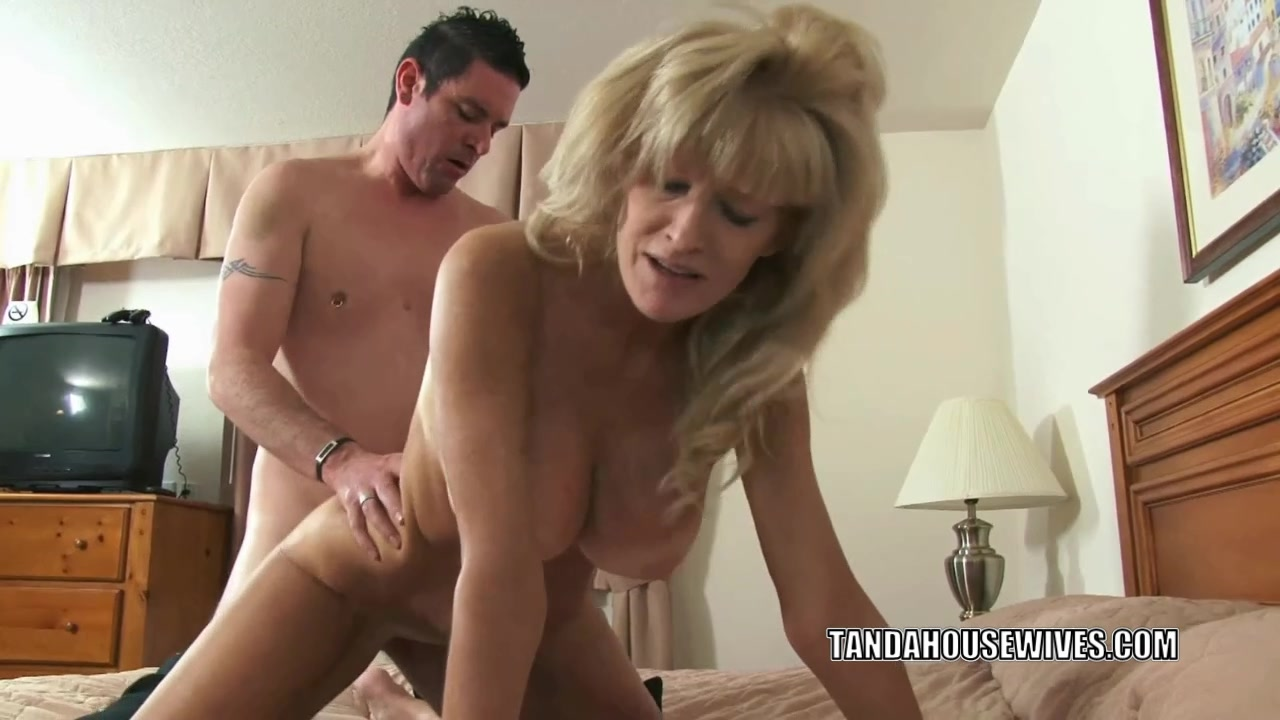 Busty cougar Cam Raye is taking a dick in her mature twat Bbc podcast learning english