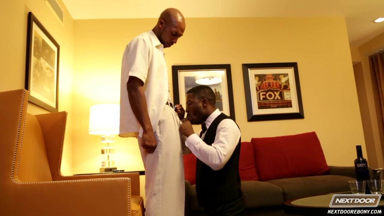 NextdoorEbony Video: Good Tipper this books is gay