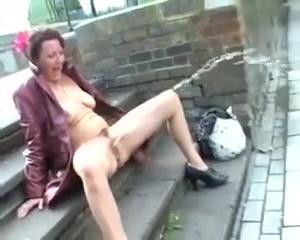 De bella aka shaz - huge public piss flashing Hot bra and panty pics