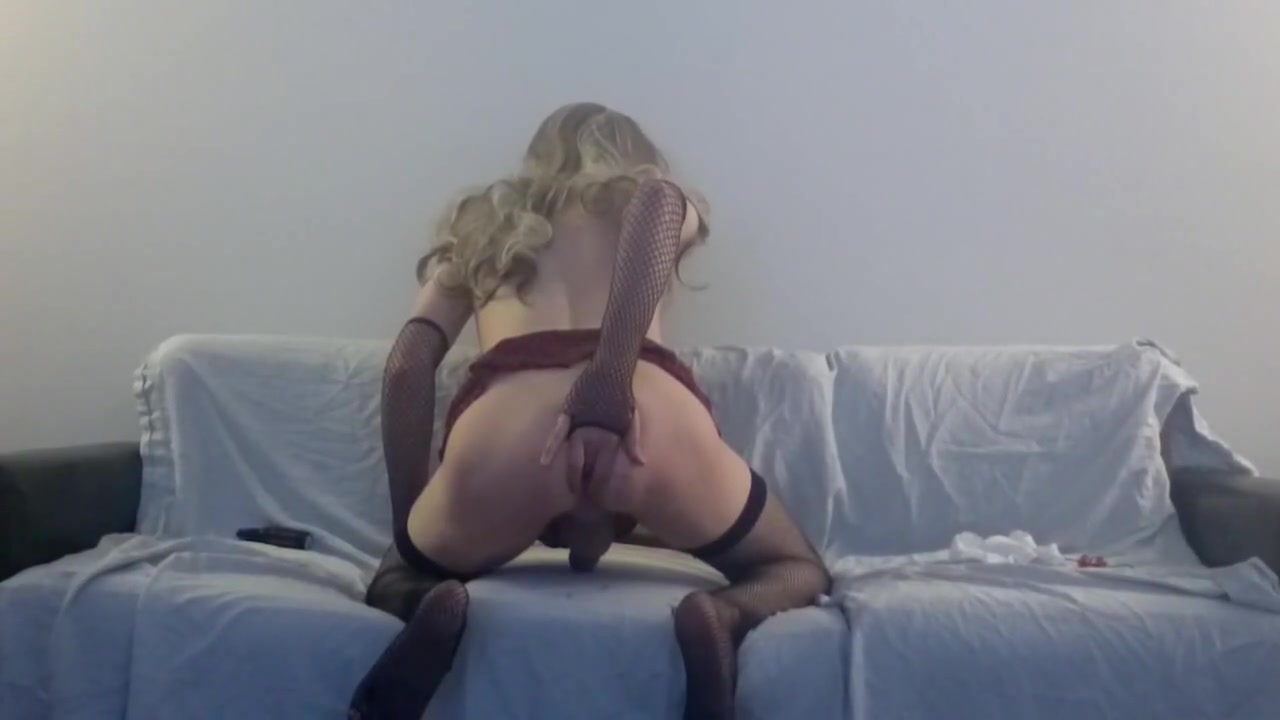 Solo Sissy Amber Emily watching porn and fucking herself Little girls first time sex bleeding photos