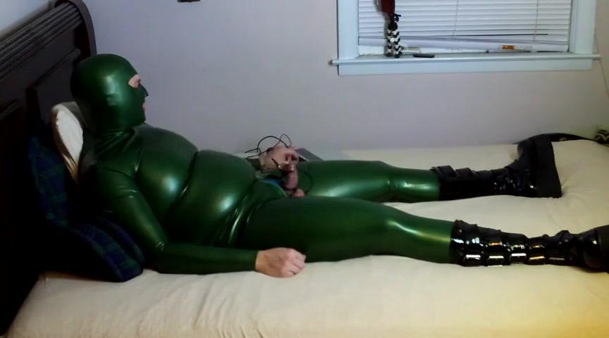 LATEX AND ESTIM HANDS FREE ORGASM Big tit black girl fucked