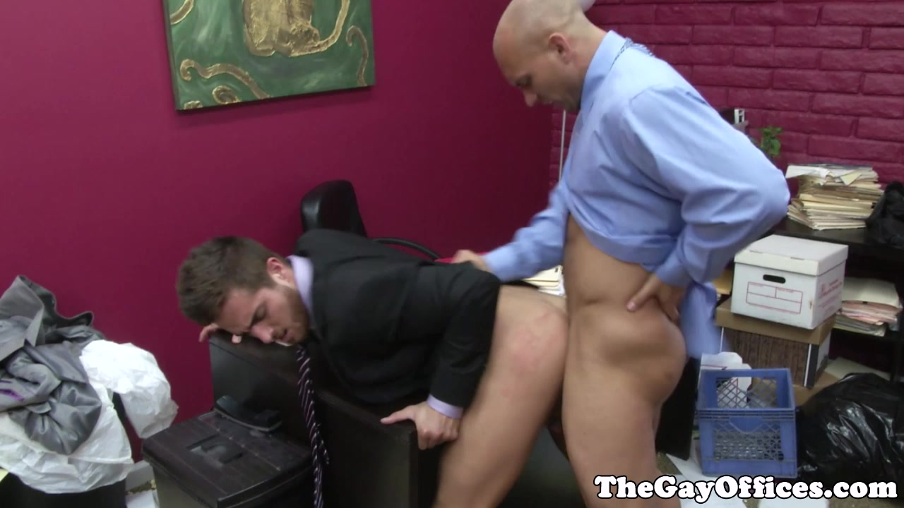 Muscular office hunk fucked by his boss Blue boys gay