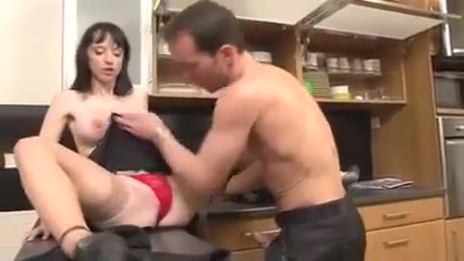 Wife plays the slut with neighbor