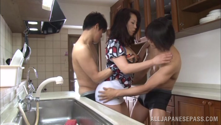 sharing-my-japanese-wife-in-threesome-naked-candian