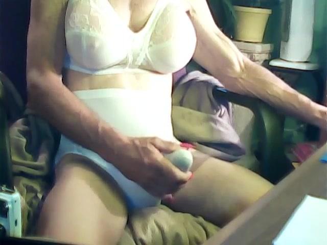 Web cam fun black chick big boobs and thick ass negrfloripa amateur big boobs webcam 1