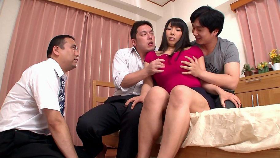 Nozomi Mikimoto in Nozomi gets gangbanged by salarymen - MilfsInJapan