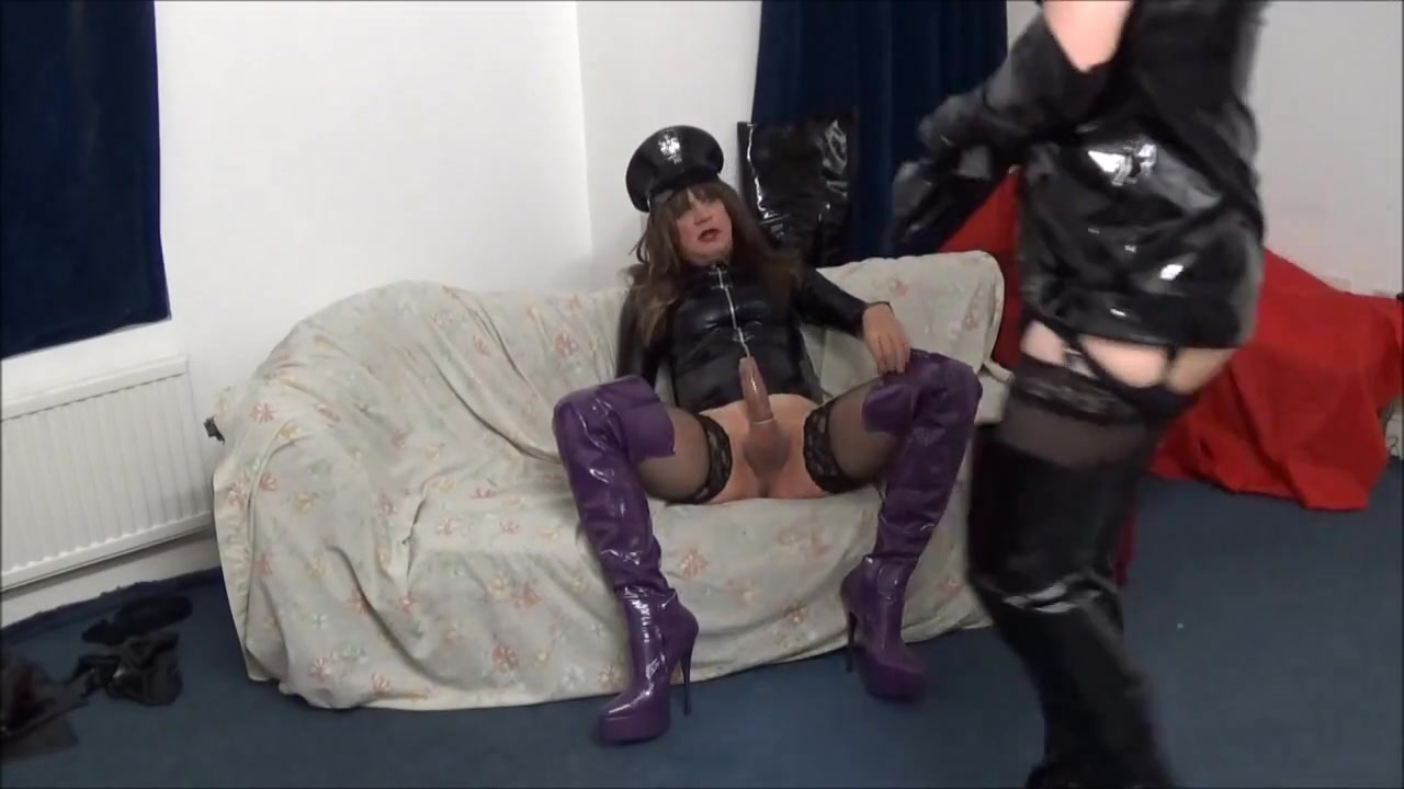 Alison Thighbootboy takes a pounding from Stevie Thighboots Two Lesbians Get Fucking In The Backyard
