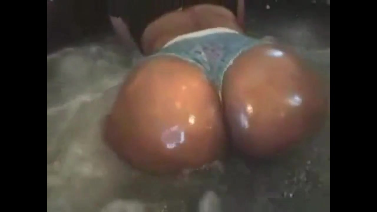 Wash that ass up Porn Movies And Tubes