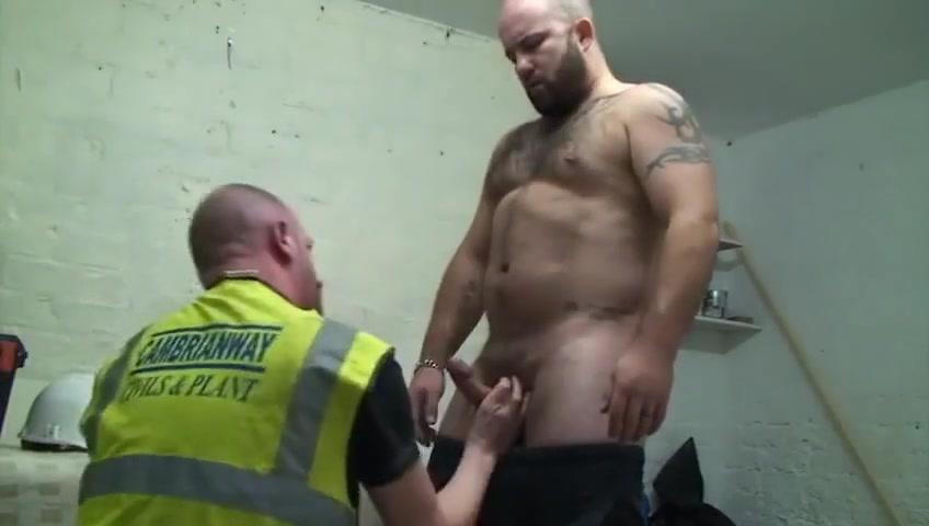 Hot big beefy hairy bear workmen lesbians get it on pusy