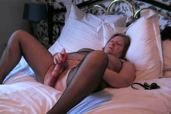 Watch John playing with slut wife Clare Nude athletic and erotic men