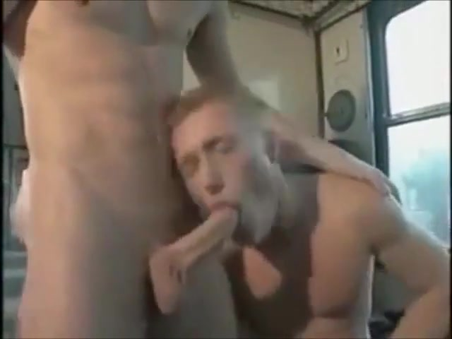 Im Zug fucking hot nude milfs