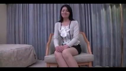 35yr old Reiko Akigawa