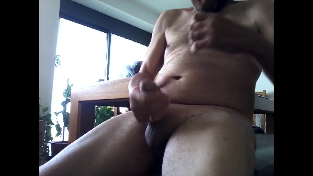 Explosive cum shot bate session Milf dildoing